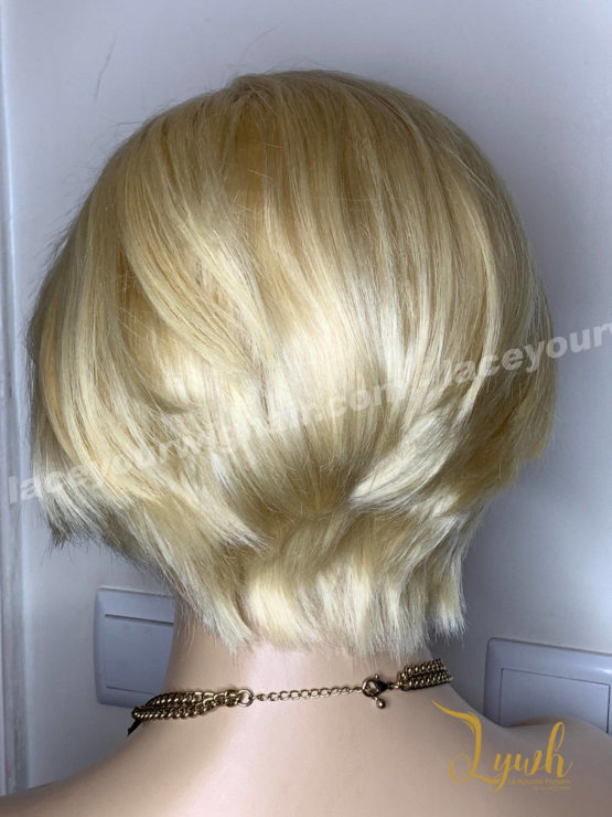 Haria-blond-coupe-courte-5